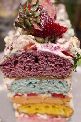 Rainbow cake à la fraise
