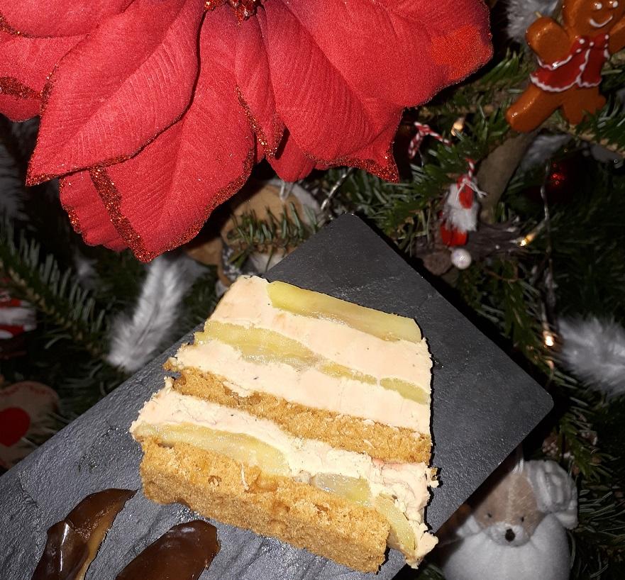 Terrine de foie gras aux pommes, gewurztraminer et pain d'épices